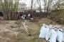 Массовый субботник в поселке Увельском собрал более двухсот участников