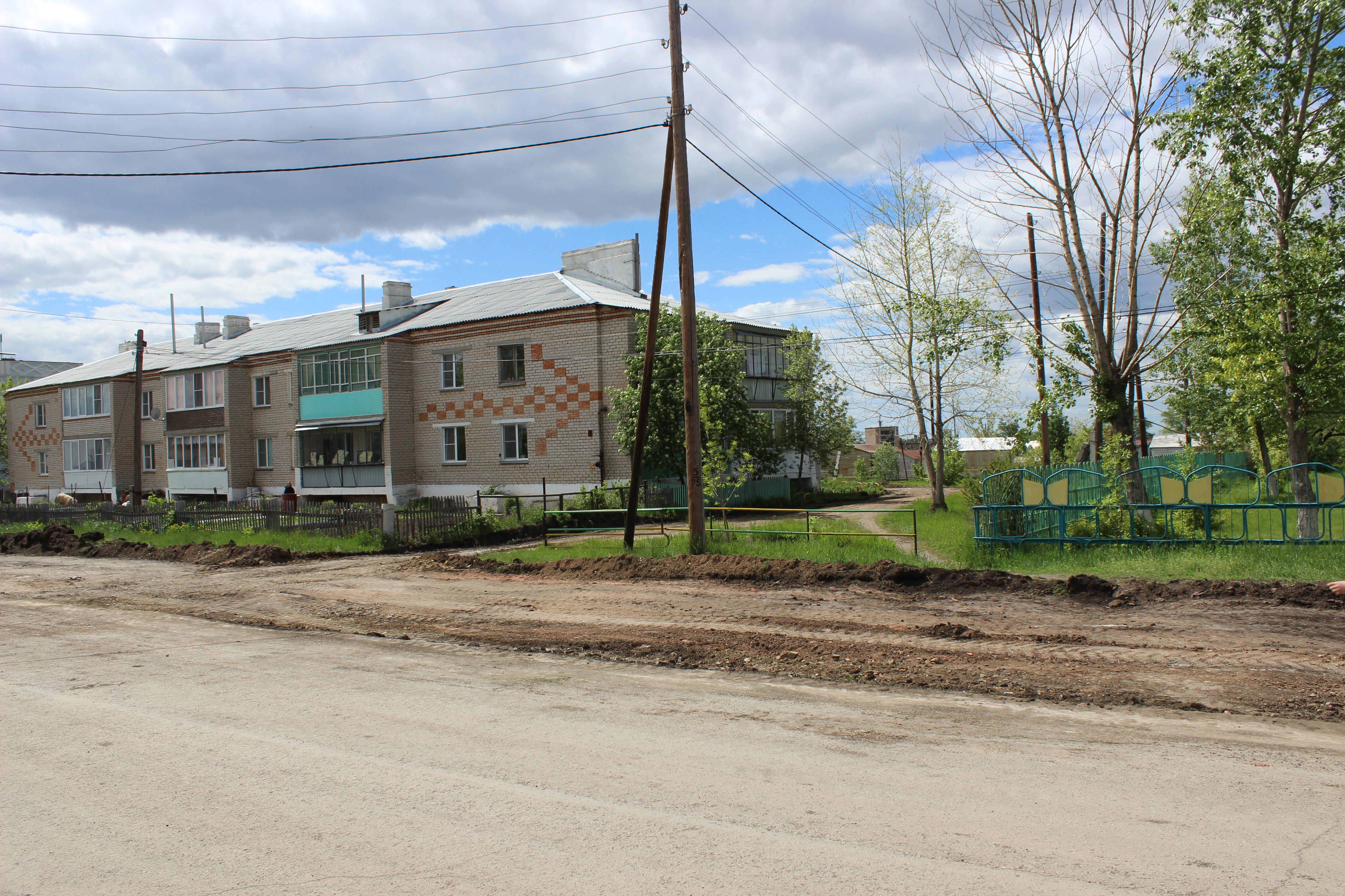 В селах Увельского района обновляются дворы